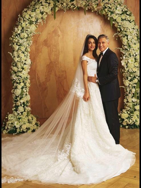 amal-clooney-wedding-hello-exclusive-scans-32